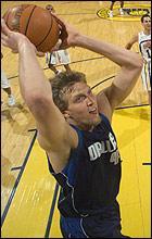 Далас Маверикс с шеста поредна победа в НБА, Новицки най-резултатен