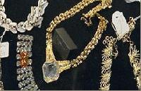 Кражба на накити и бижута за 264 хил. лв. разследва полицията в Банско