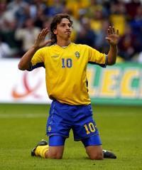 Швеция пристига с 20 футболисти за мача с България