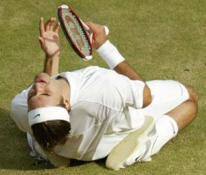Роже Федерер достигна до третия си финал на Уимбълдън