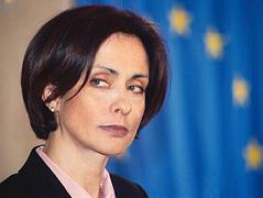 Надежда Михайлова иска среща с ДСБ и БНС още утре