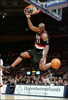 Играч псува треньора си в НБА