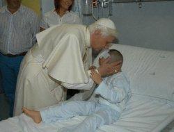 6-годишно момче от Дюселдорф преодоля рака след среща с папата