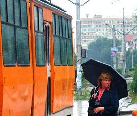 Пускат временна трамвайна линия заради коледното пазаруване на Илиянци