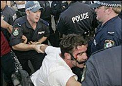 Поне 31 ранени след расистки протести в Австралия