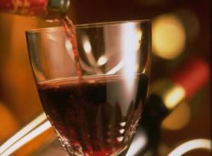 Британско вино ужаси шведския премиер, Берлускони му праща италианско