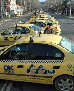Убиха таксиджия, с него и държавата