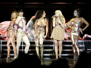 Spice Girls тръгнаха