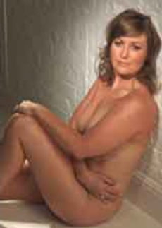 Как една обикновена жена се снима гола и изглежда страхотно?
