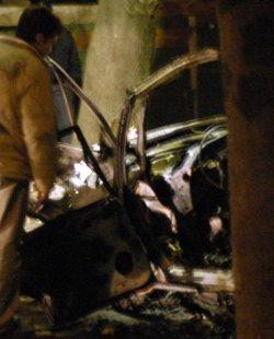 Шофьор оцеля по чудо при експлозия на автомобила му