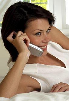 Не говорeте по мобилния преди лягане - вредно е