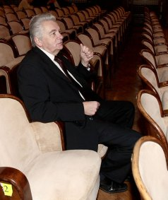 Юхновски вдигнал кръвно, но законът го пазел да е шеф на БАН