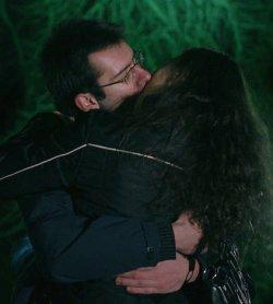 15-минутна целувка на студа. Заради Иракли.
