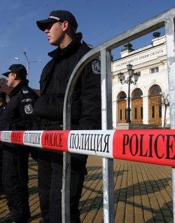 МВР опасва парламента, размаха пръст към протестиращите