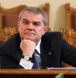 БСП зарови глава в пясъка за 10 дни, Петков остава