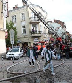 В кома е мъжът, който пострада от пожара в столицата