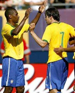 Бразилия с първа победа над Канада