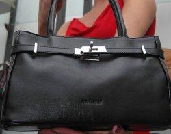 Свиха 16 500 евро и 11 000 лева от дамска чанта