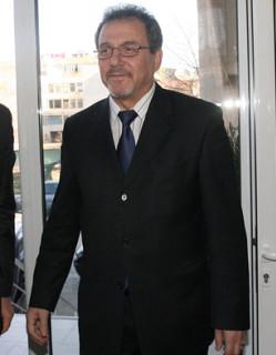 Искат оставката на Кемал Еюп заради хомосексуалните бракове