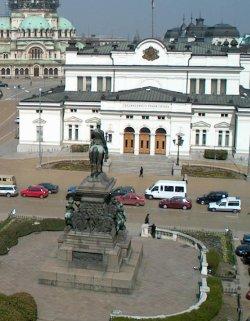 Ройтерс: България започва трудна битка срещу корупцията