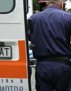 Възрастна жена падна върху козирка във Варна, почина