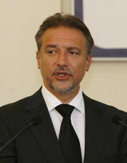 Препирни по македонски: Президентът скастри премиера