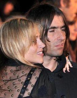 Oasis не харесват текстовете на песните си