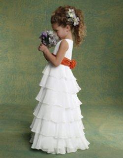 "6-годишни ""младоженци"" стегнаха куфарите за Африка"