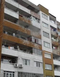 Учителка се хвърли от петия етаж в Ловеч