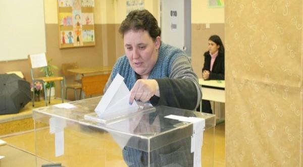 Частичните местни избори приключиха