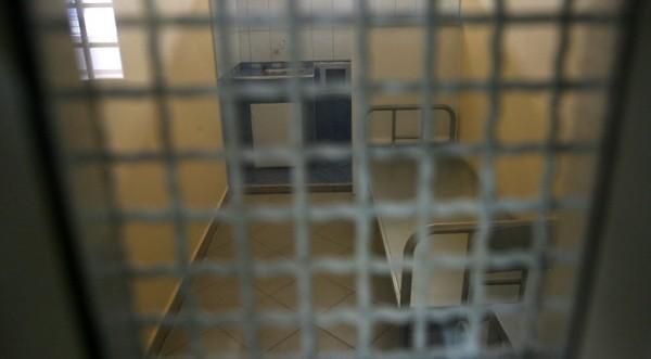 50 пандизчии от Софийския затвор заразени със СПИН