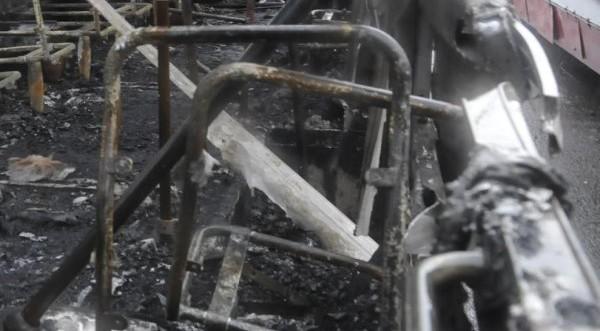 Автобус в пламъци край Смолян, няма пострадали
