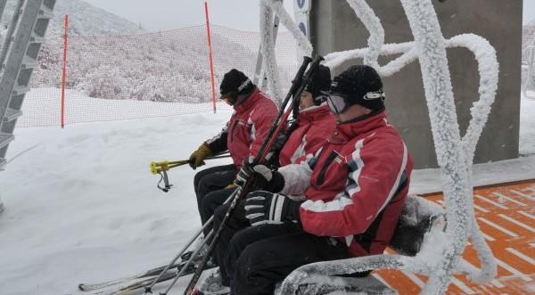 Над 40 души бяха блокирани на връх Мечи чал