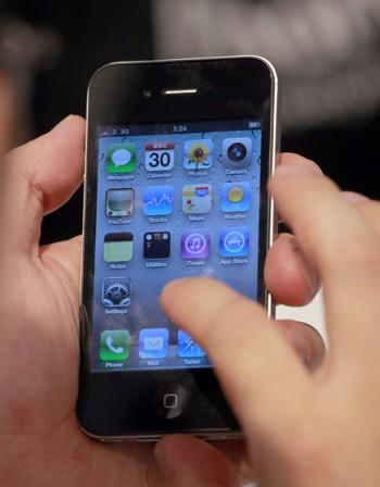iPhone задмина BlackBerry по продажби