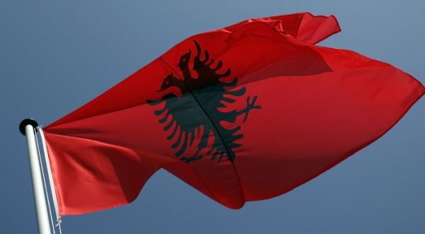 Бунт в Тирана заради видеозапис, полицаи застреляха трима