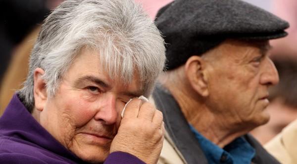 Резултат с изображение за стари хора умират зимата от глад и студ