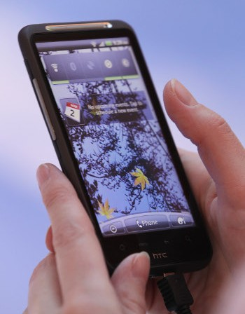 HTC е готова на преговори с Apple заради патентния спор