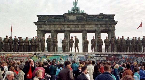 Западът щял да даде Западен Берлин на ГДР за територия