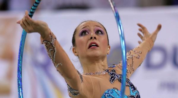 Силвия Митева завоюва сребро на обръч и топка