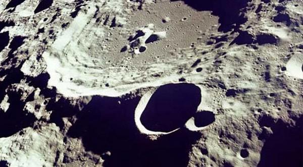 Първата лунна база ще бъде в пещера