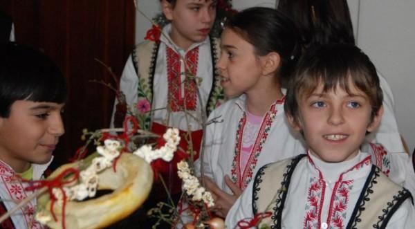 Сурвачката да е дрянова, повелява традицията