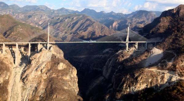 Най-високият мост в света бе открит в Мексико
