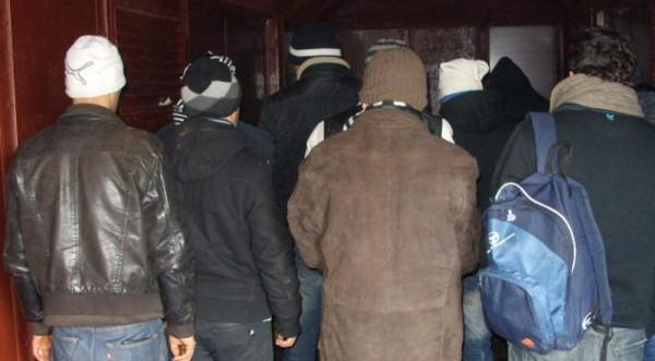 Спипаха 15 нелегални емигранти на жп гара Кулата