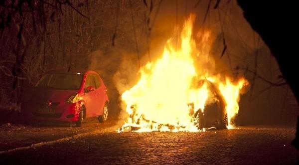 Автомобил изгоря в Харманли