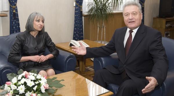 Няма да опреснявам паметта на Янев, отсече Марин