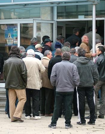 Безработицата продължава да пълзи нагоре
