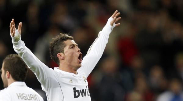 Реал дръпна с 10 точки на върха в Испания