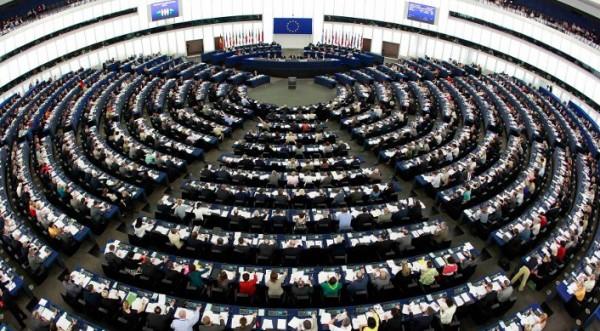 Евродепутатите ни единни срещу АСТА