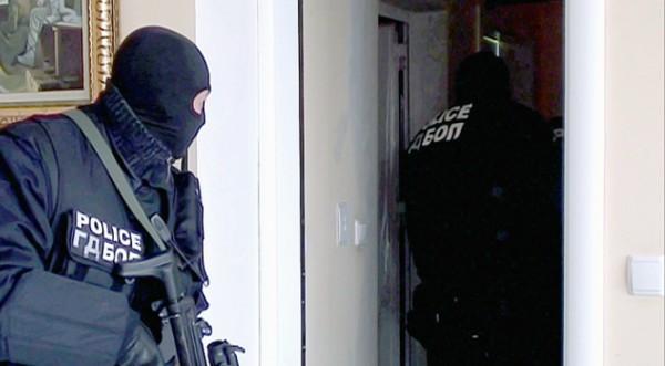 Разбиха престъпна група за финансови измами