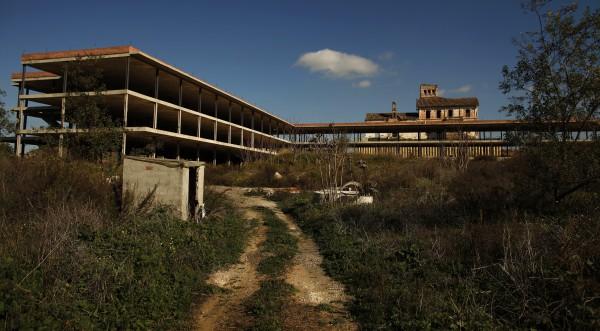 Испания осеяна с призрачни градчета